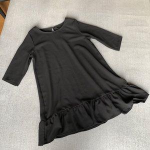 Dresses & Skirts - Long sleeved black dress